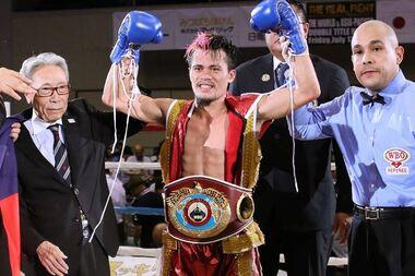 Campeón de la Organización Mundial de Boxeo, Vic Saludar, llega a Puerto Rico